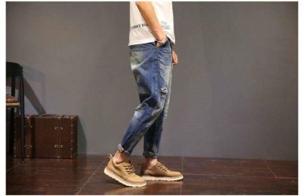 джинсы подкатанные синие с белым