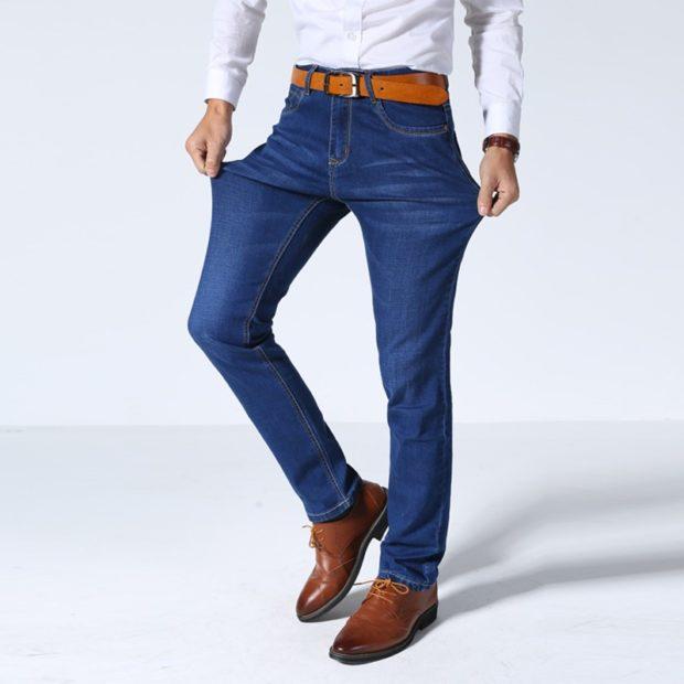 классический синие джинсы