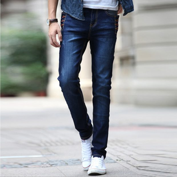 узкие джинсы прямые