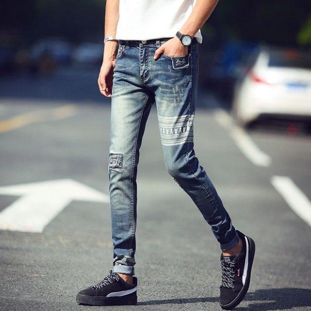 узкие джинсы синие с орнаментом