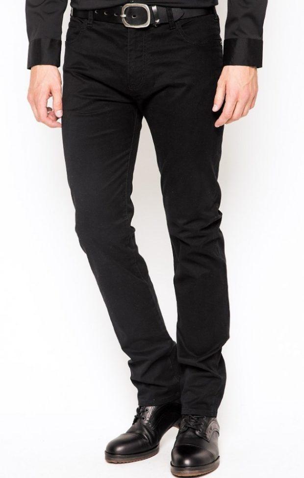 черные классические джинсы