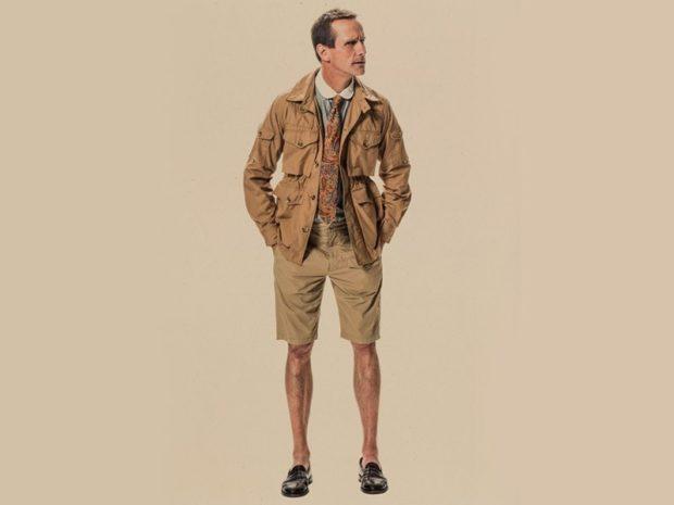 светло-коричневый костюм шорты куртка