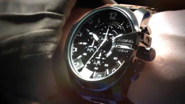 часы коричневые механика