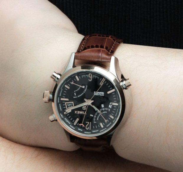 классические часы черные с основными цифрами кожаный ремень