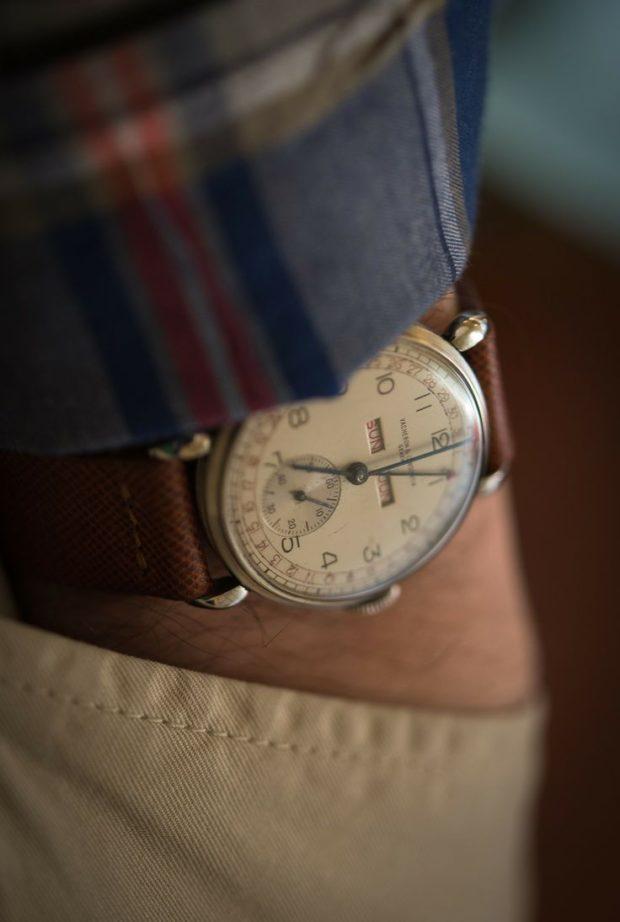 коричневый ремень классические часы
