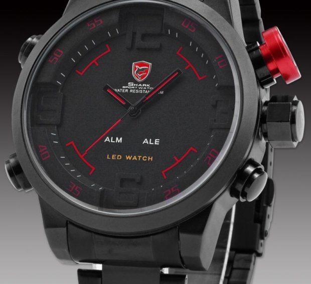 серо-красные часы спортивные