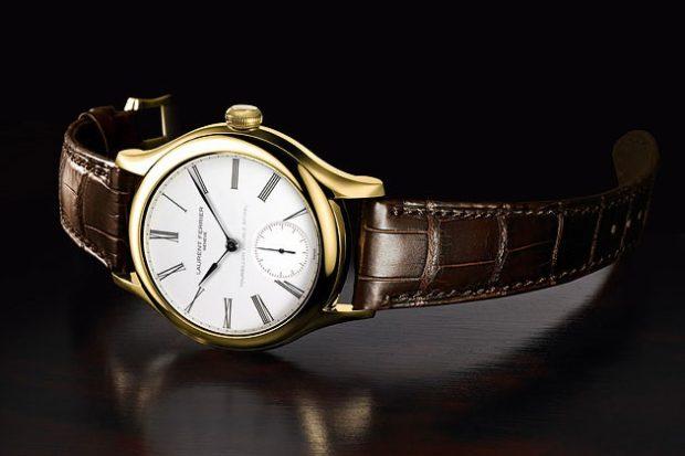 классические часы золотой корпус кожаный ремень