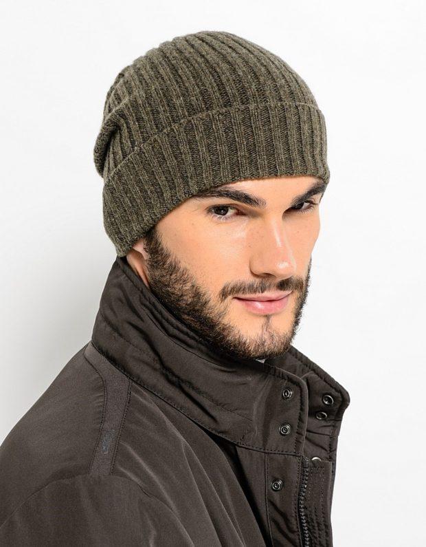 мужские головные уборы зима 2019-2020: вязанная шапка с отворотом