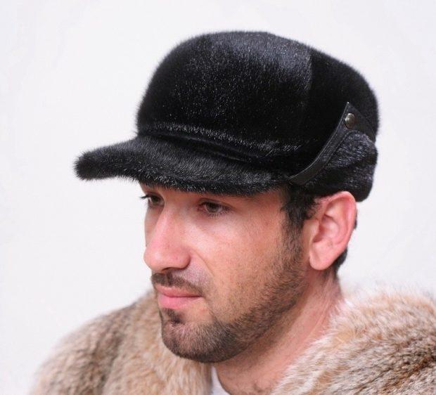 мужские головные уборы зима 2019-2020: меховая кепка с ушами