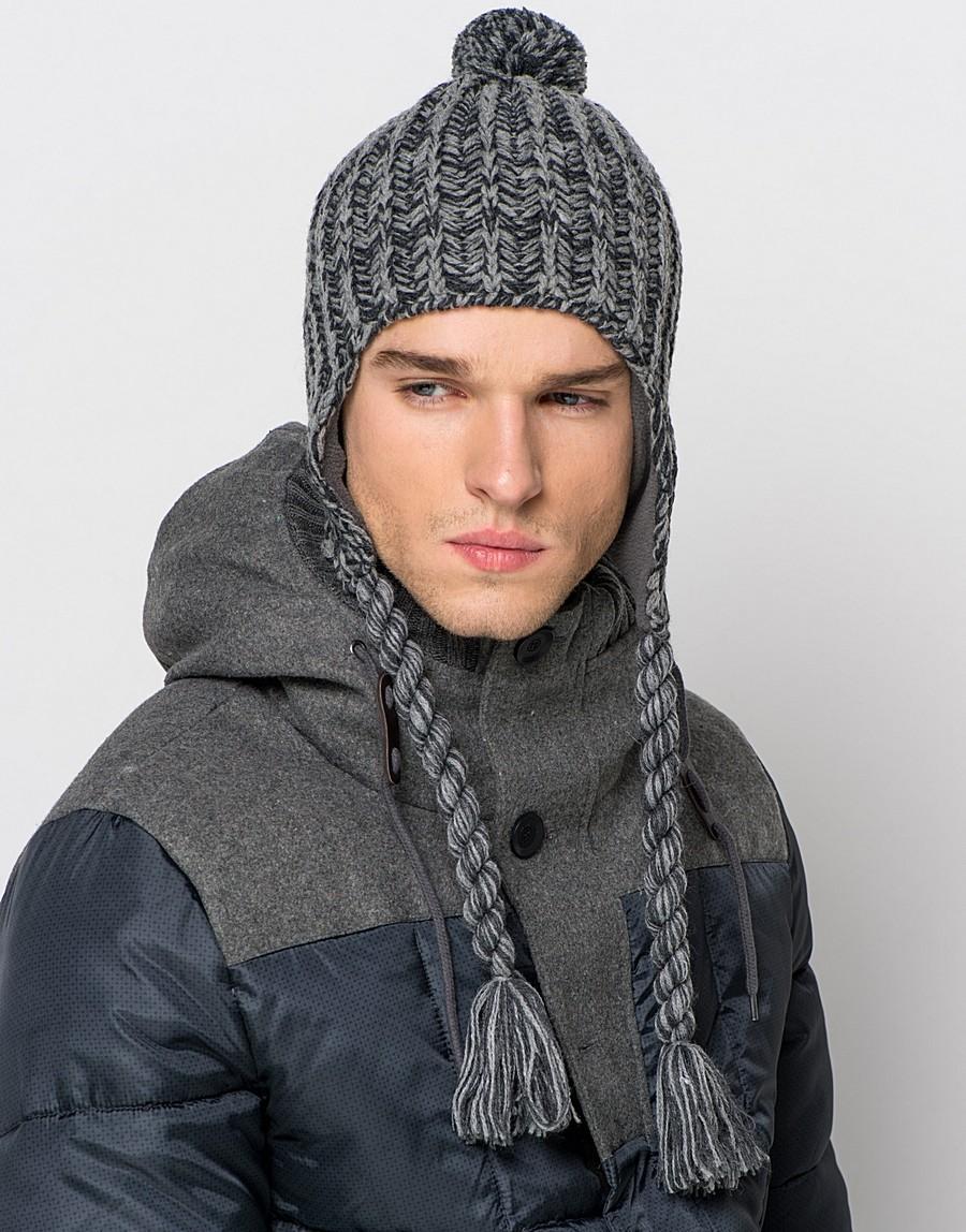 вязанная шапка ушанка серая с помпоном