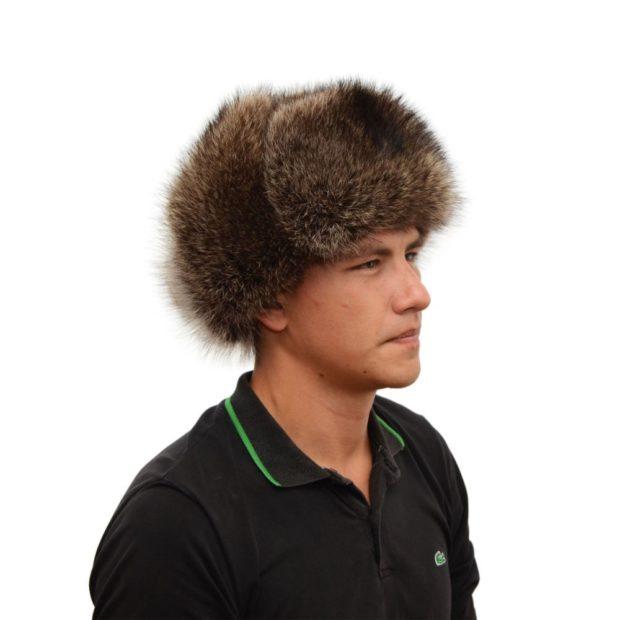 головные уборы мужские зима 2019-2020: шапка из меха коричневая