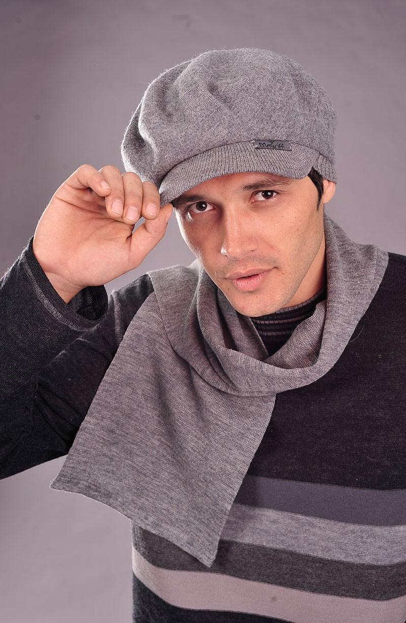 вязанная кепка серая