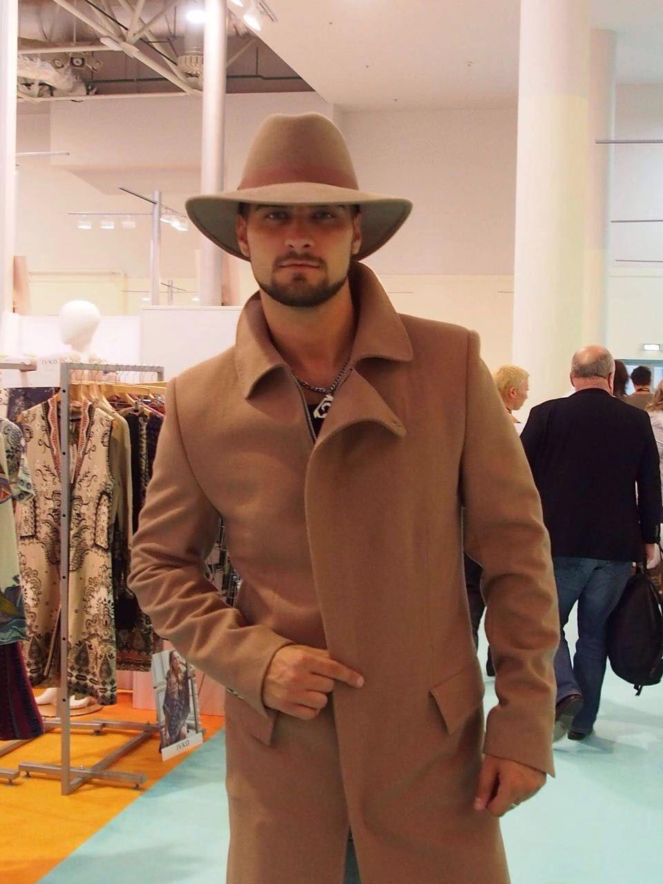 фетровая шляпа коричневая светлая с полями