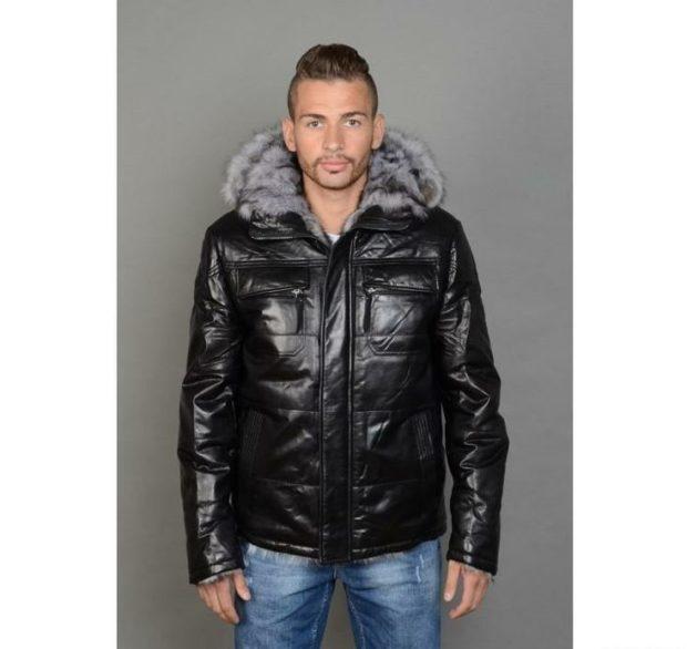 куртка черная блестящая с меховым воротом