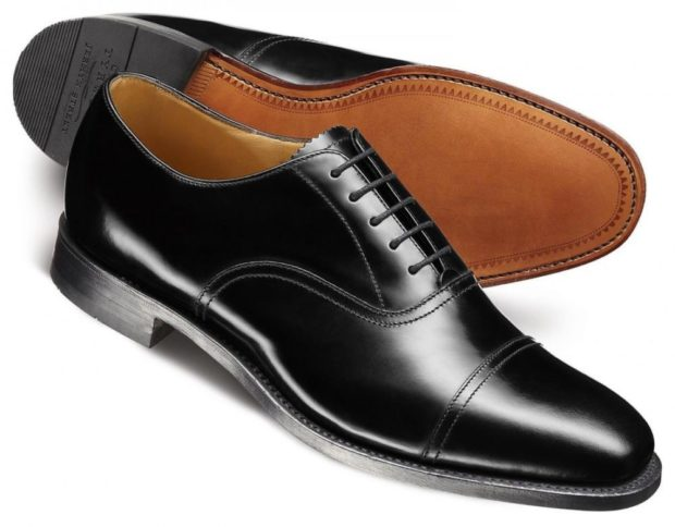 мужские туфли: классические на шнуровки черные вытянутый носок