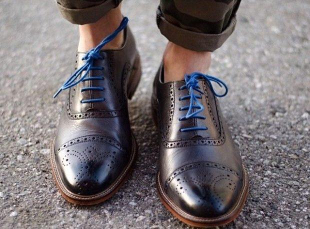 коричневые оксфорды синие шнурки