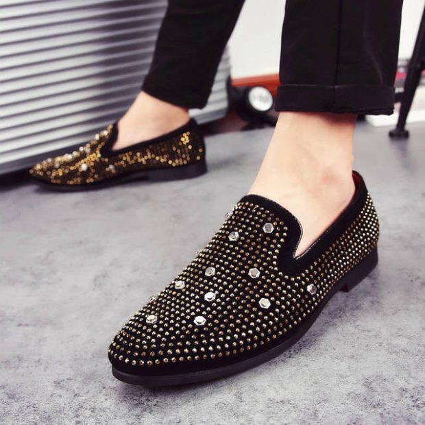 туфли черные в заклепки