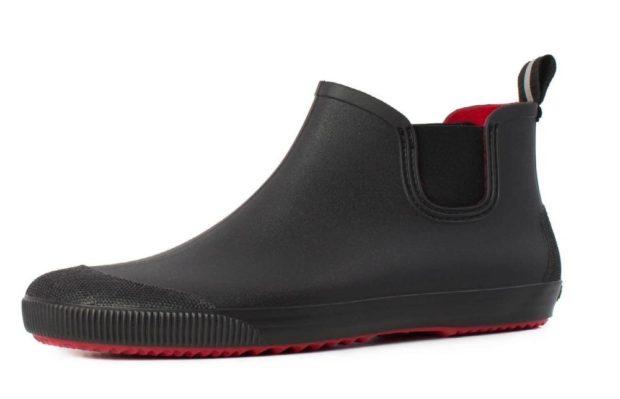 резиновые туфли черные с красным