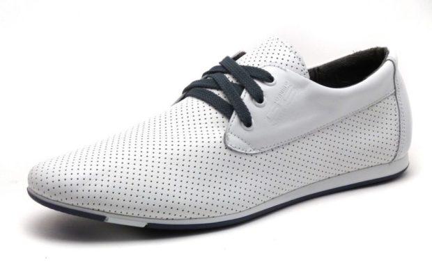 спортивные туфли белые в сетку