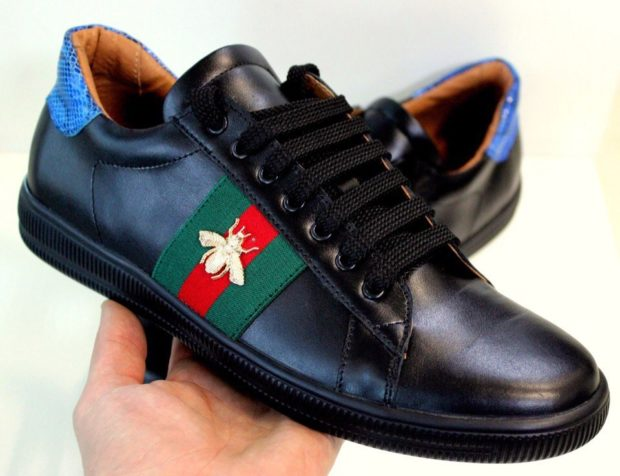 кроссовки кожаные с аппликацией