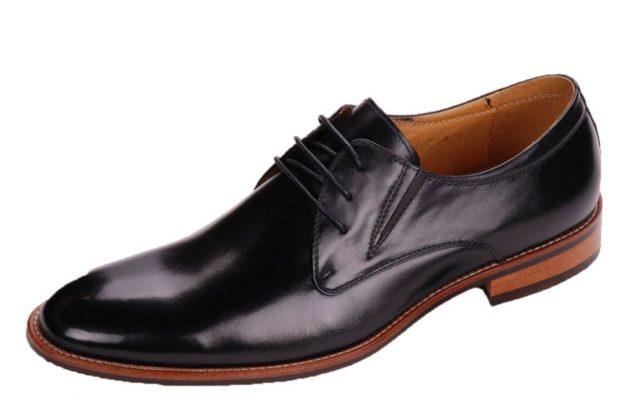 классические туфли на коричневой подошве