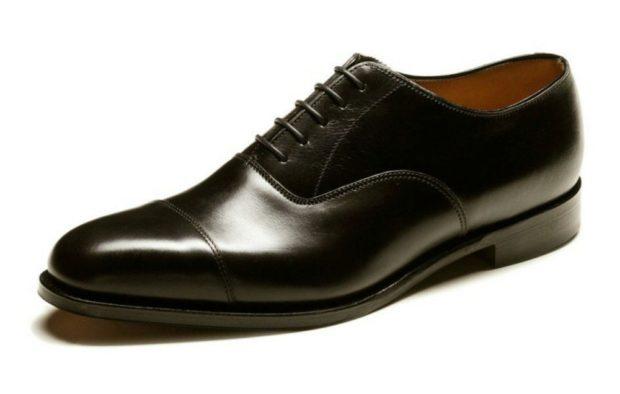 классические черные туфли носок круглый