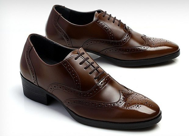 классические коричневые туфли