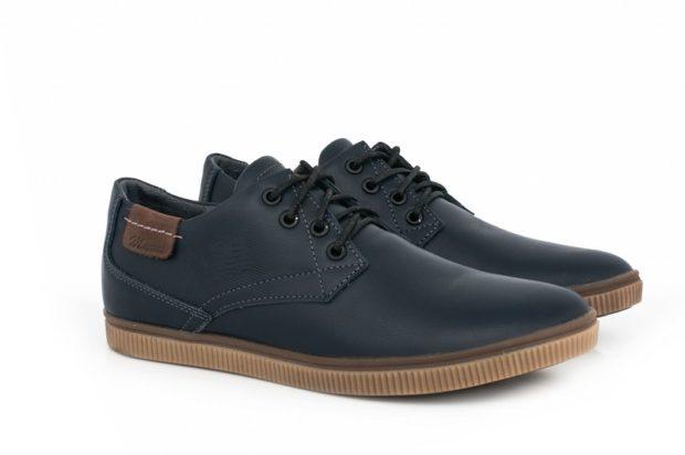 туфли спортивные черные с коричневой подошвой