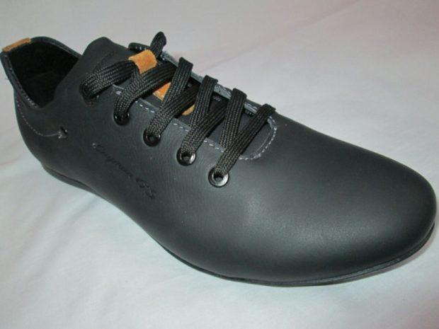 туфли спортивные черные на шнуровке
