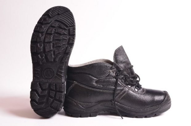 ботинки черные литая подошва