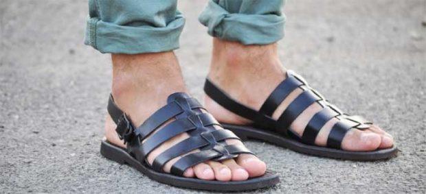 сандалии черные кожаные