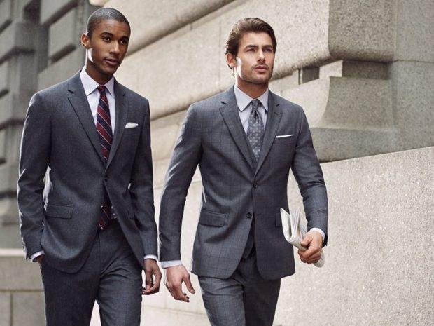 костюм серый брючный под галстук
