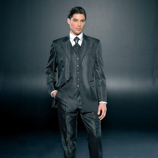 брючный костюм с жилеткой в полоску