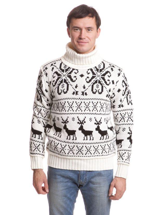 мужской свитер с оленями: белый и снежинки