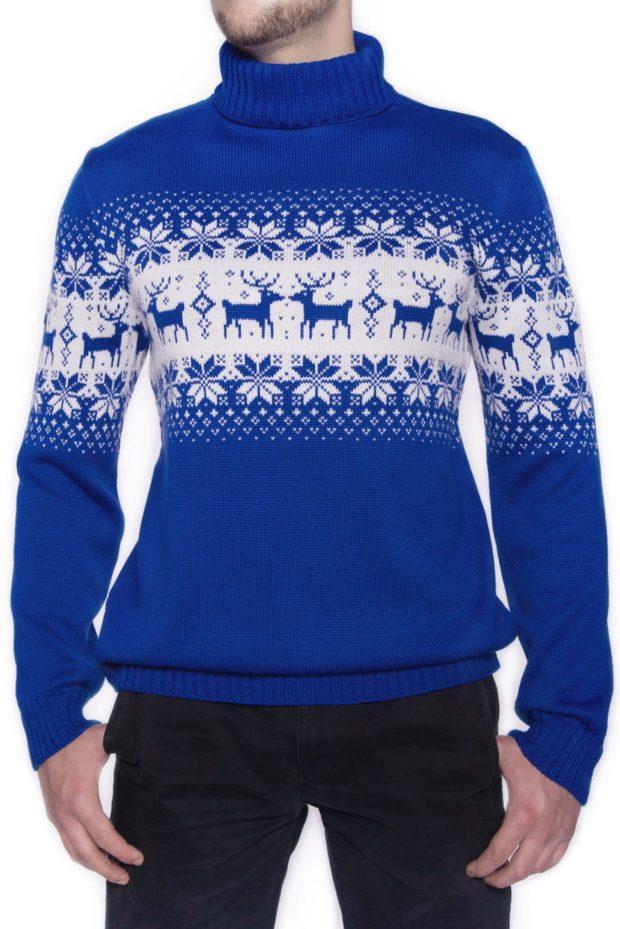 мужской свитер с оленями: синий и снежинки