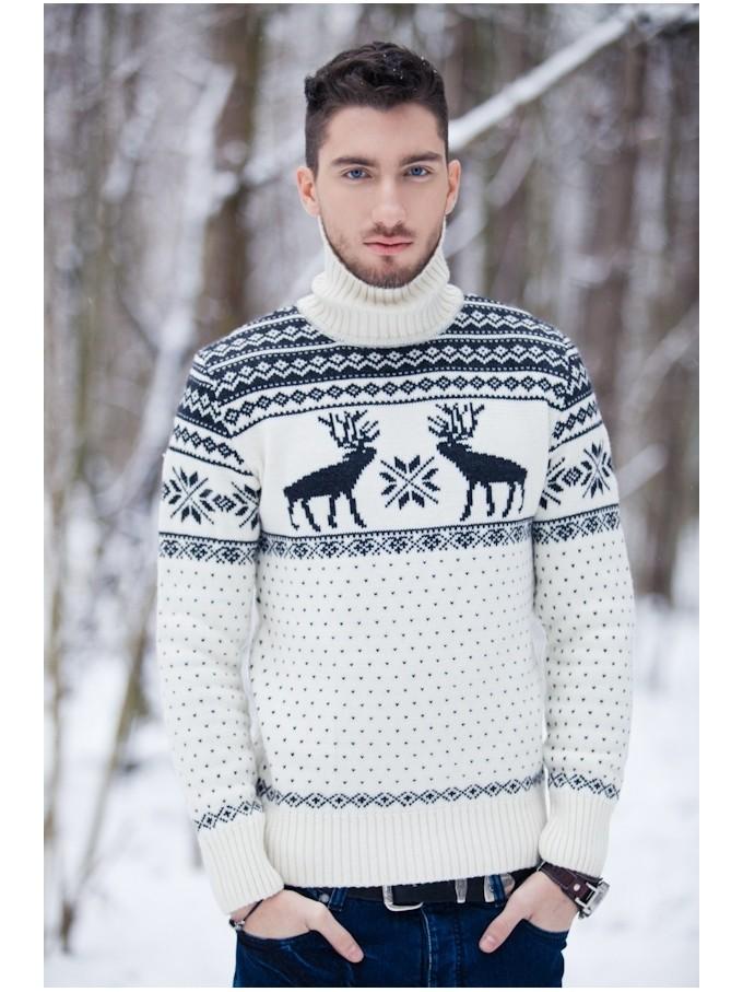 белый свитер с оленем и снежинками