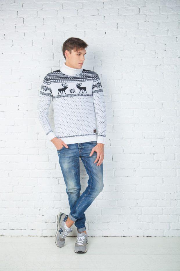 мужской свитер с оленями: белый