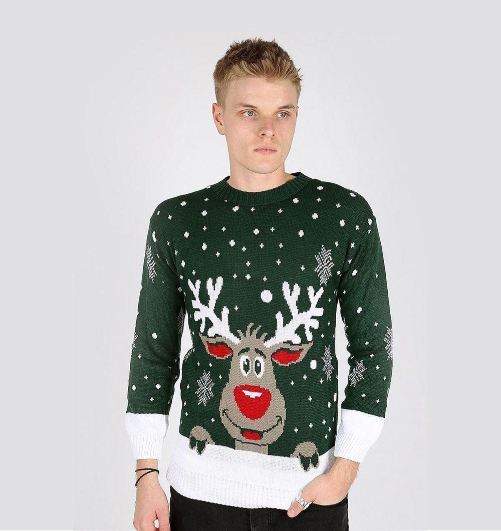 зеленый свитер с оленем и снежинками