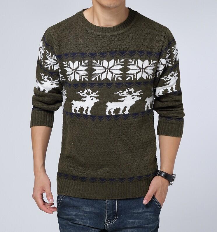коричневый свитер с оленем и снежинками
