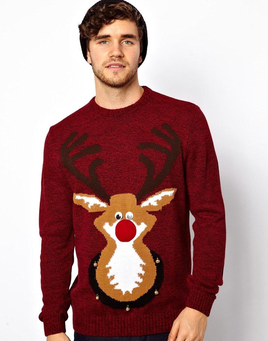 бардовый свитер с оленем и снежинками
