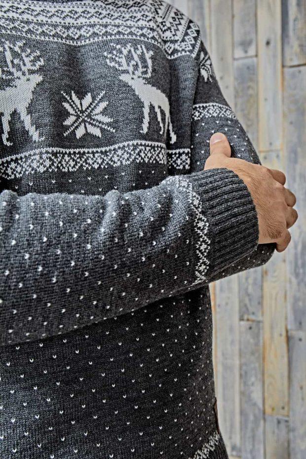 серый со снежинками