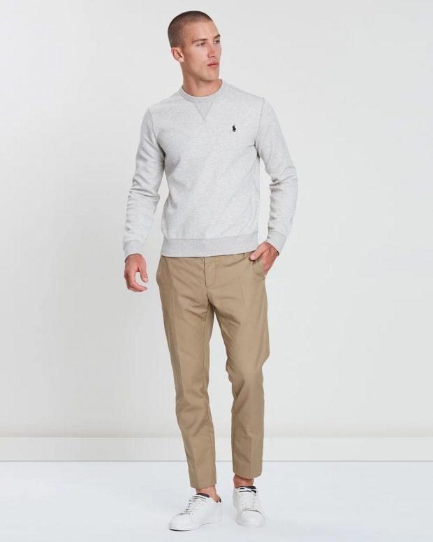 мужская мода осень-зима 2019-2020: светло-серый свитер