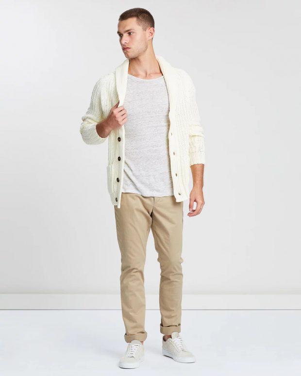 мужская мода осень-зима 2020-2021: белый какрдиган