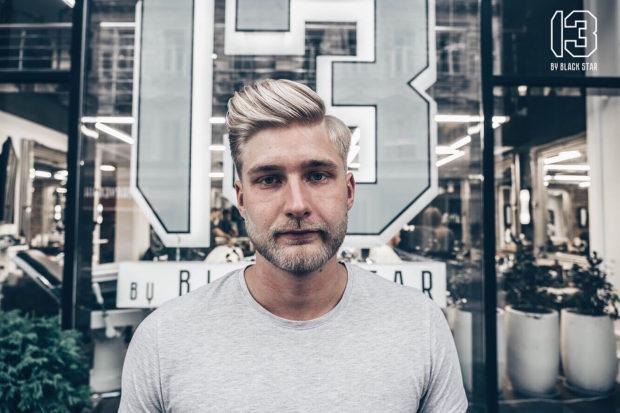 мужская стрижка: светлые волосы