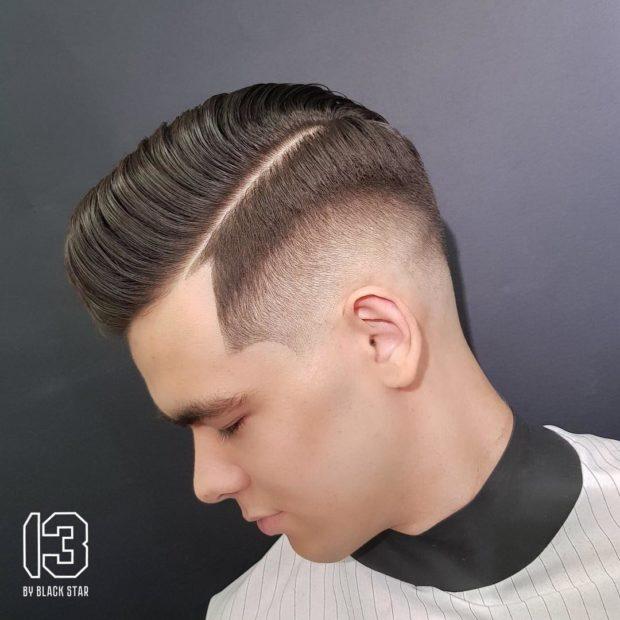 мужская стрижка: выбритые виски с полосой