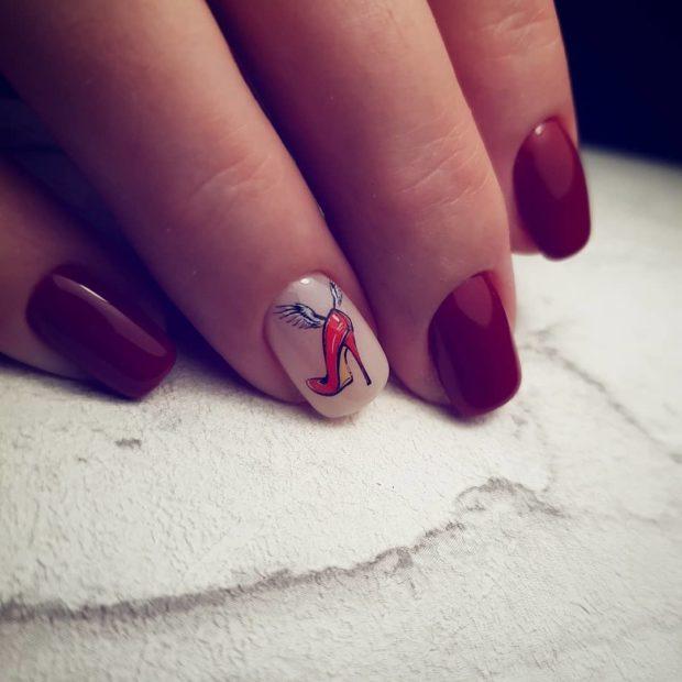 новогодний маникюр на короткие ногти: красный с рисунком
