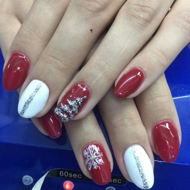 новогодний маникюр на короткие ногти: красный снежинка