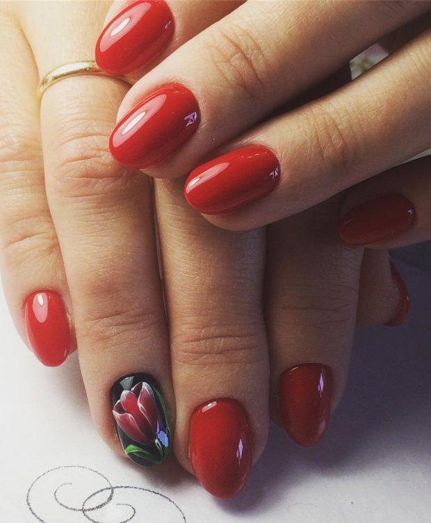 новогодний маникюр на короткие ногти: красная роза