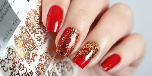 дизайн ногтей на новый год 2019: красно-золотой