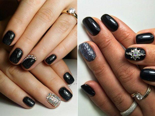дизайн ногтей на новый год 2019: черные ногти с камнями